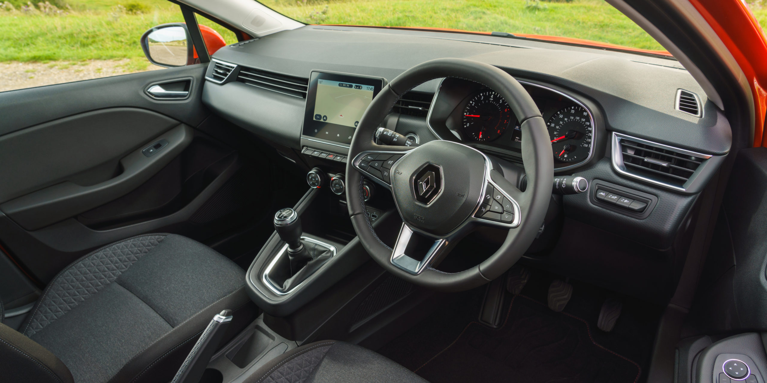 Renault Clio Interior Infotainment Carwow