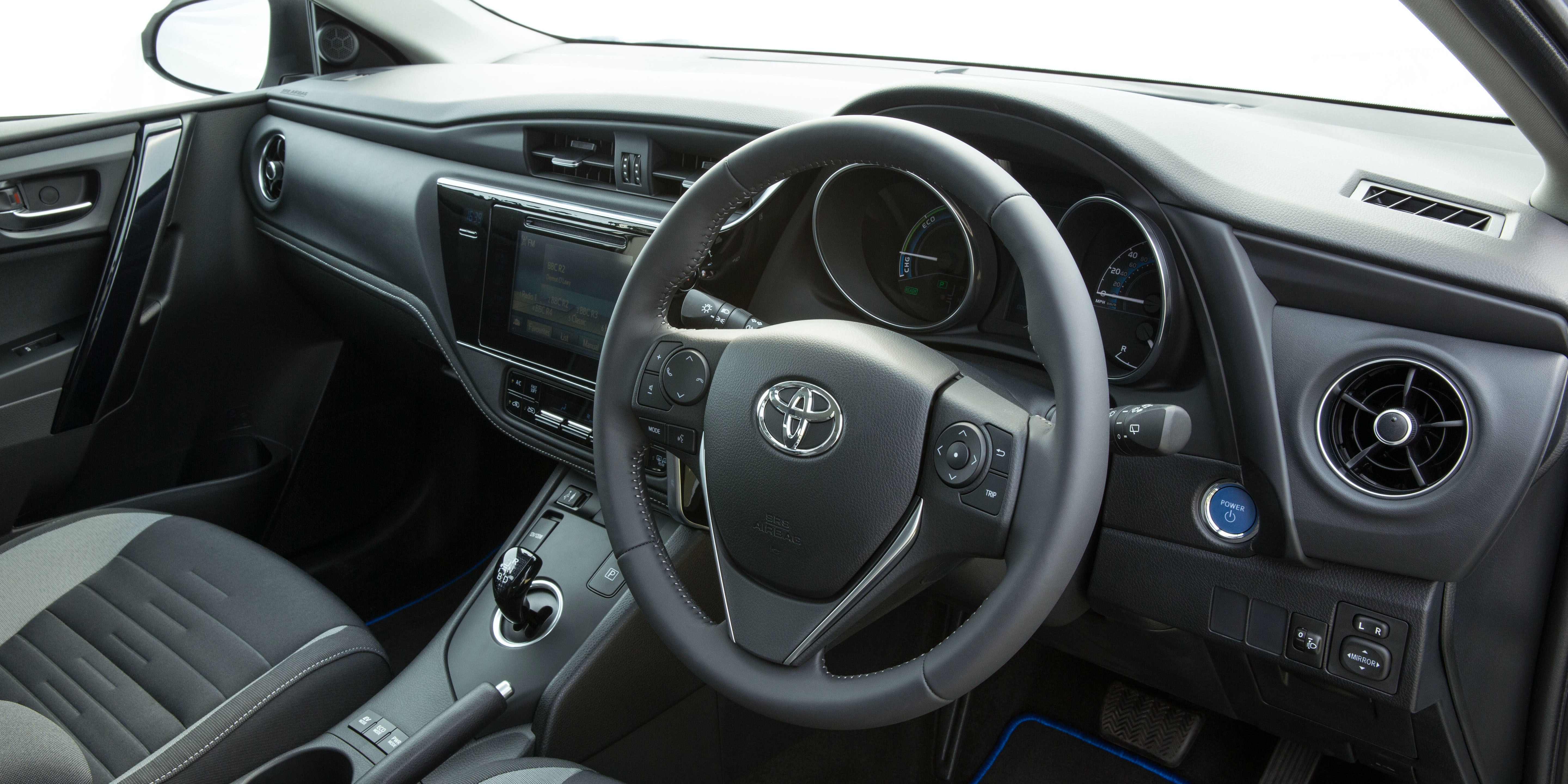 Toyota Auris Review Carwow