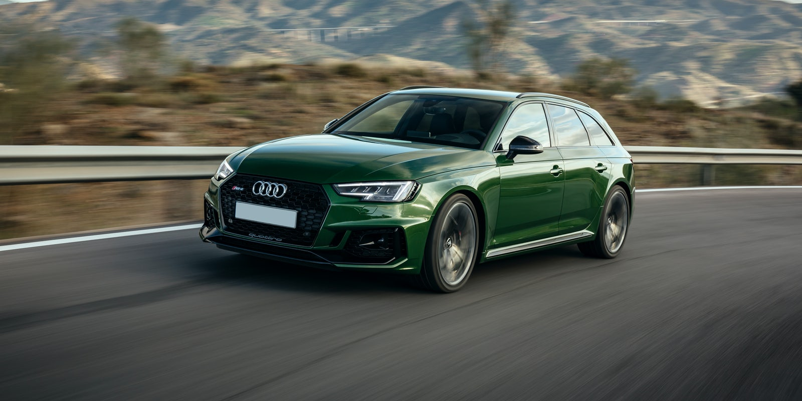 audi rs 4 avant review carwow. Black Bedroom Furniture Sets. Home Design Ideas