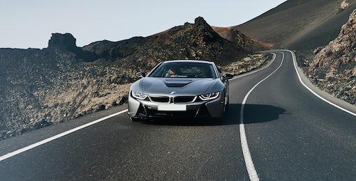 10. BMW i8