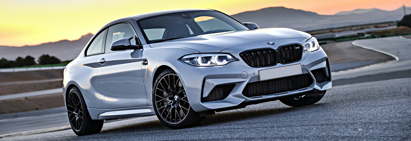 2018 bmw m2 competition price specs and release date carwow. Black Bedroom Furniture Sets. Home Design Ideas