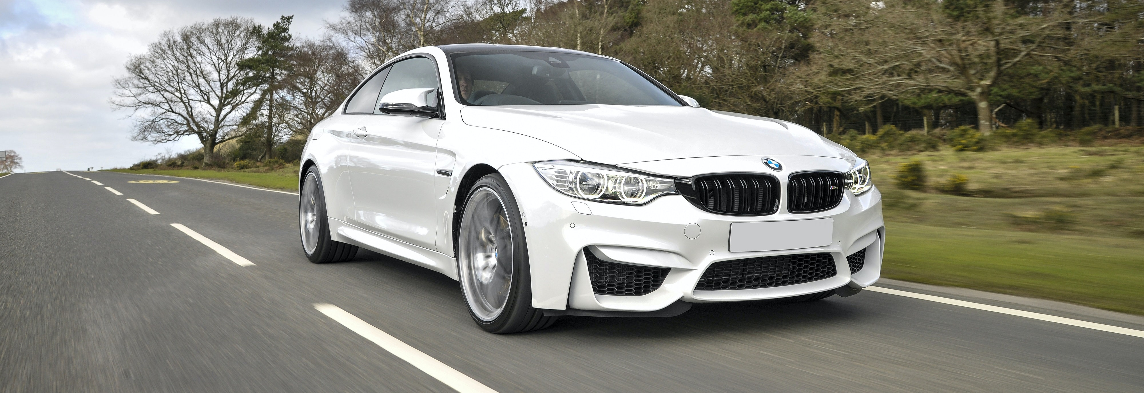 2018 Bmw M4 White Driving Front