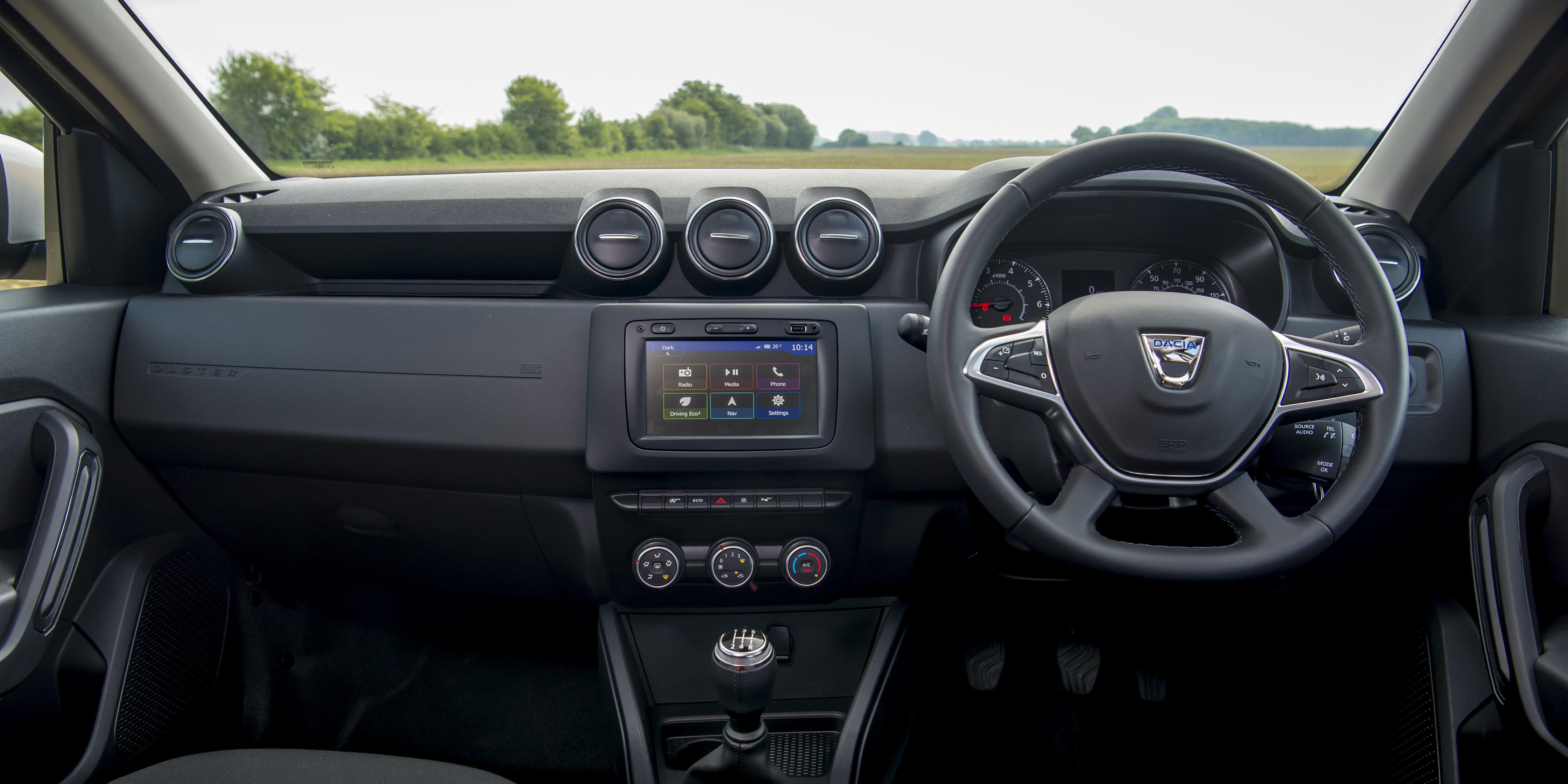 Dacia Duster Interior & Infotainment   carwow