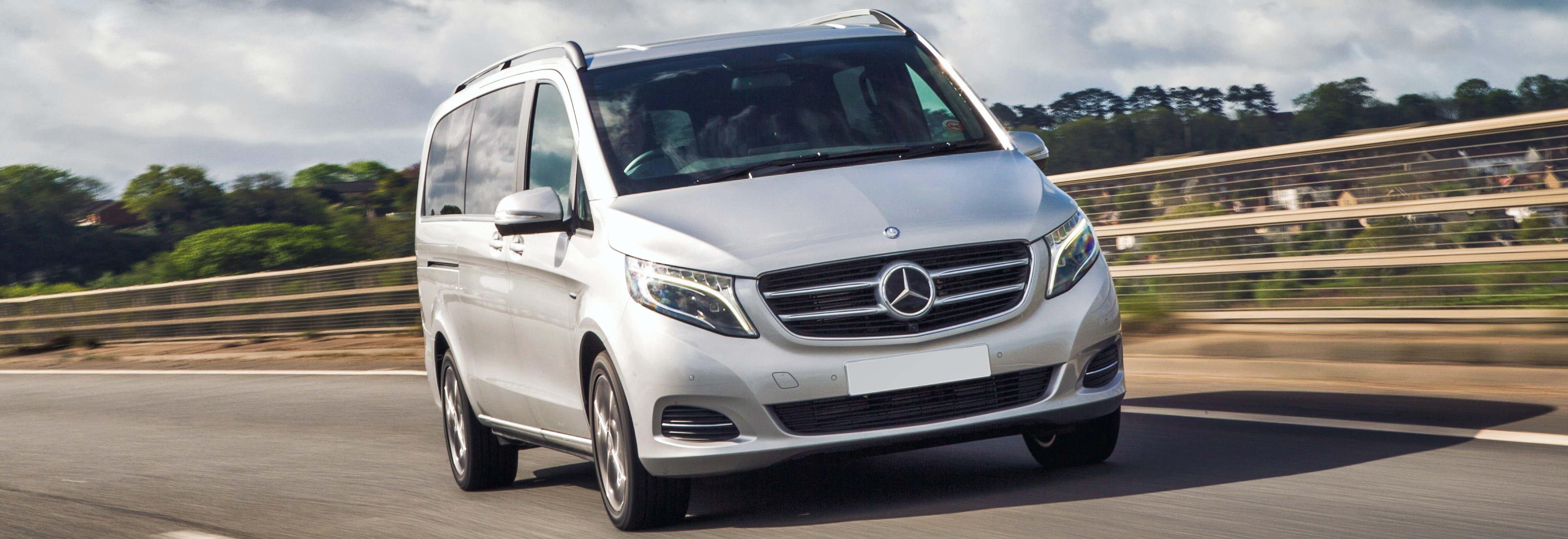 2018 mercedes v-class silver driving front