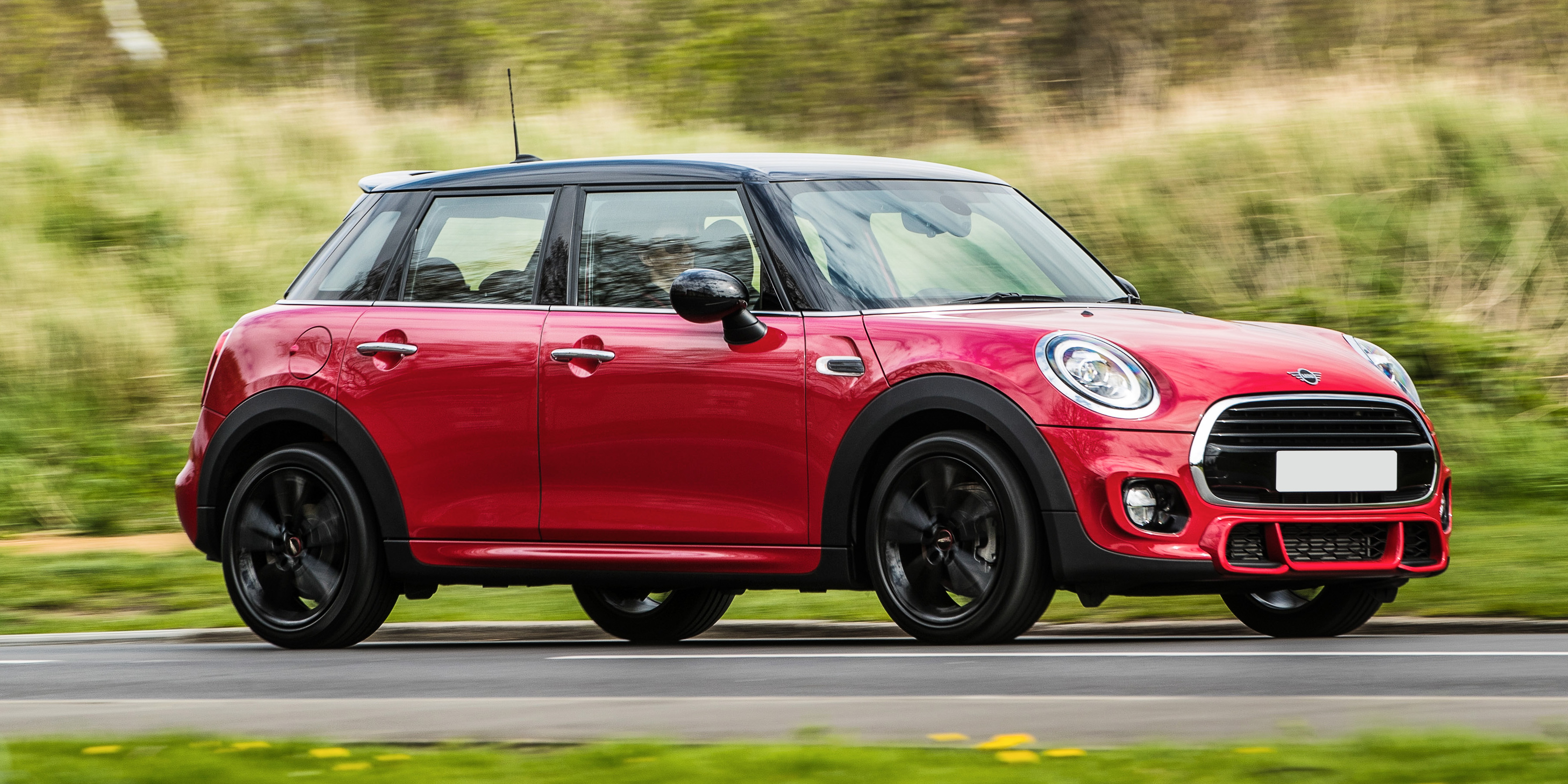 5 Door Car >> New Mini 5 Door Hatch Review Carwow