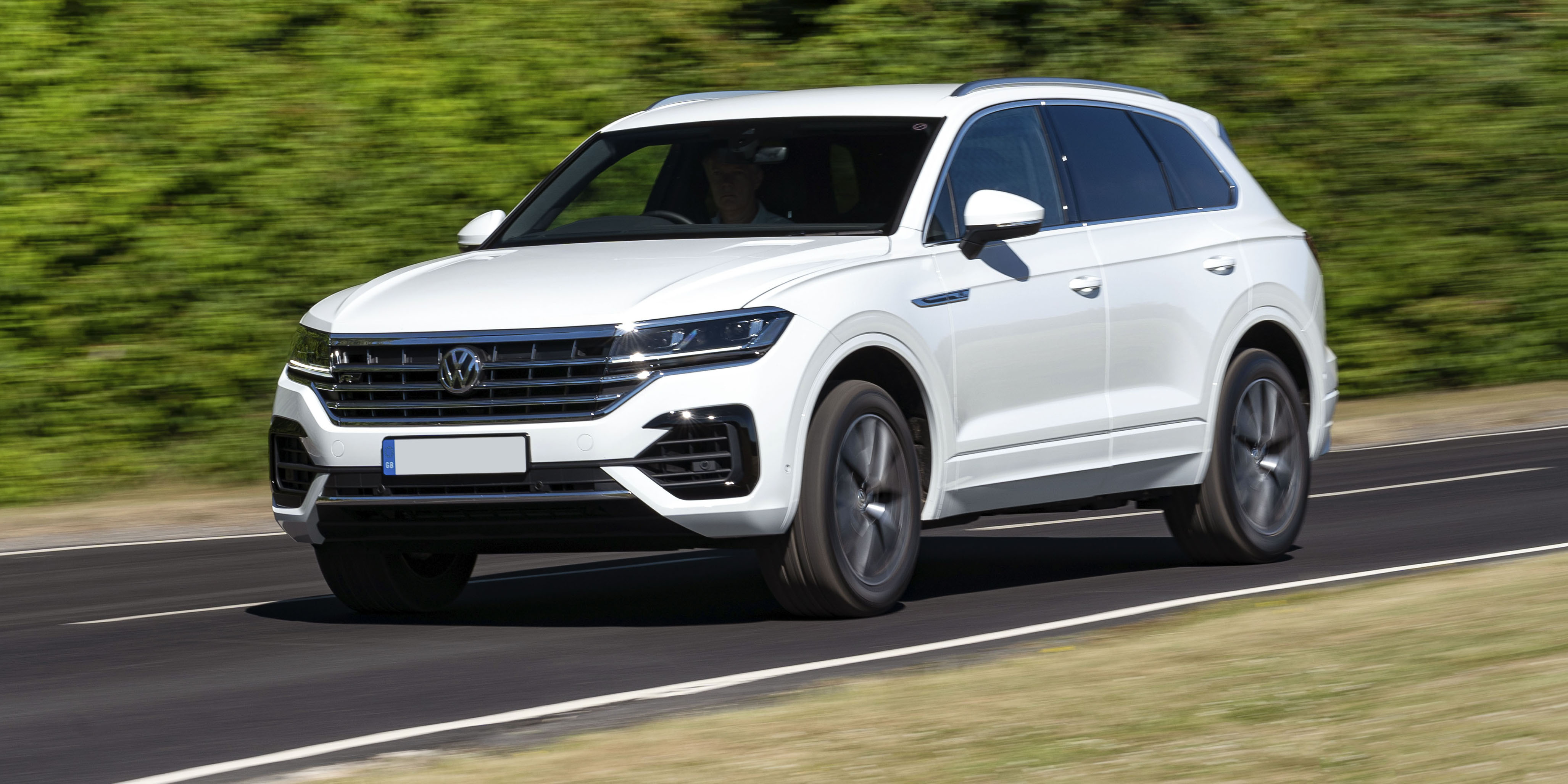 2020 VW Touareg: New Engines, Design, Release >> New Volkswagen Touareg Review Carwow