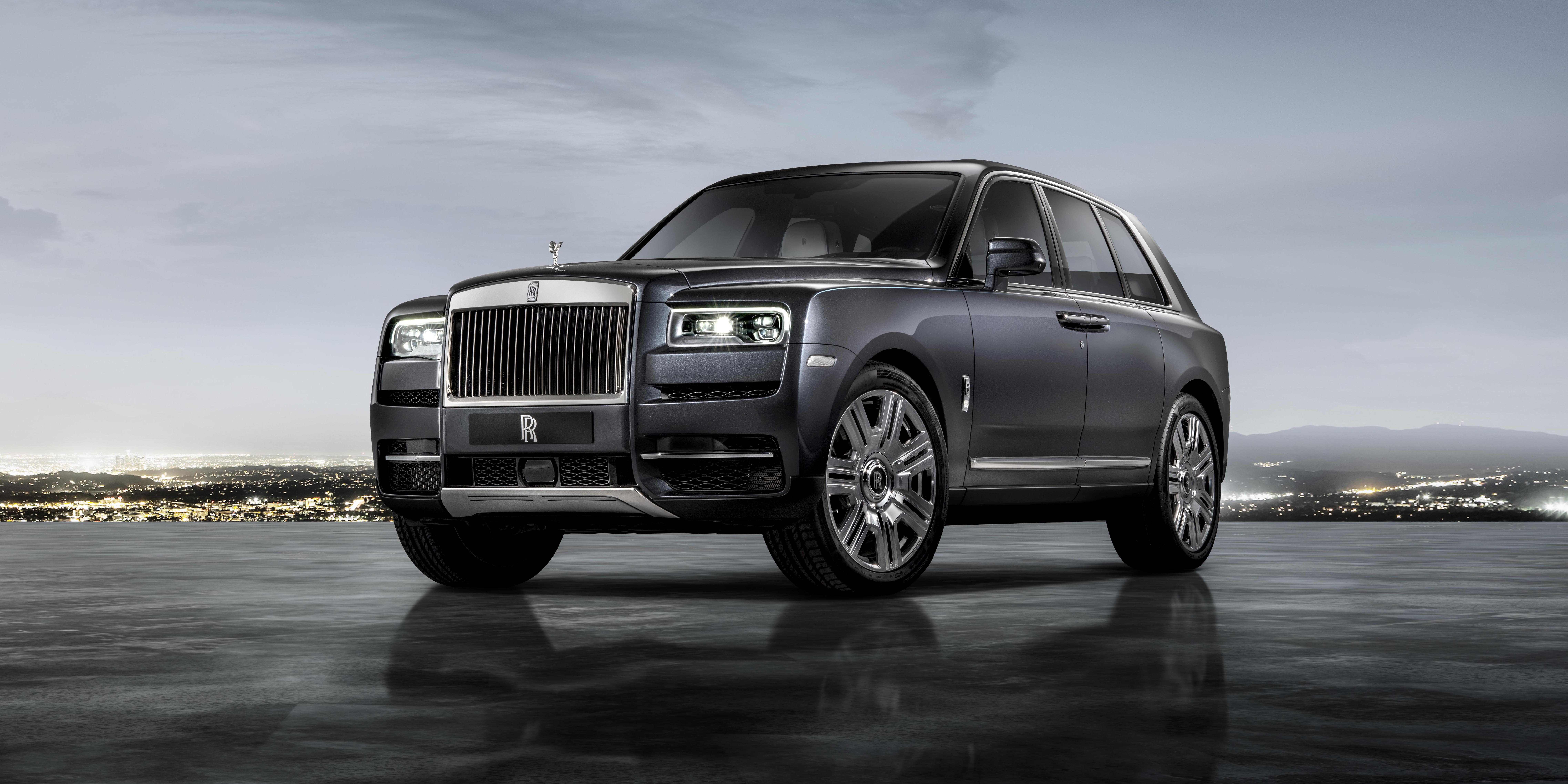 Research The 2018 Rolls Royce Phantom At Cars And Find Specs Pricing Mpg Safety Data Photos Videos Reviews Local Inventory