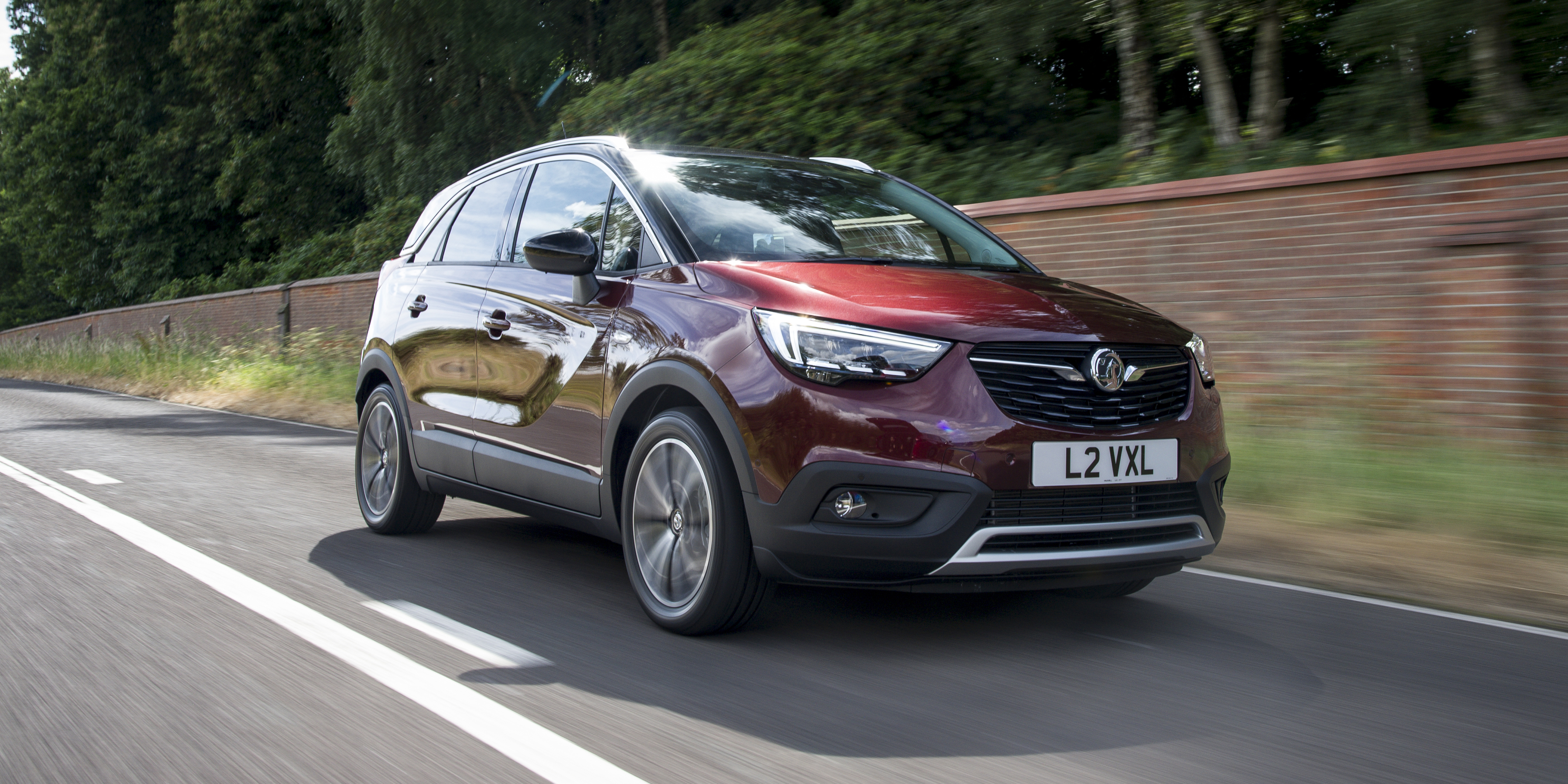 New Vauxhall Crossland X Review | carwow