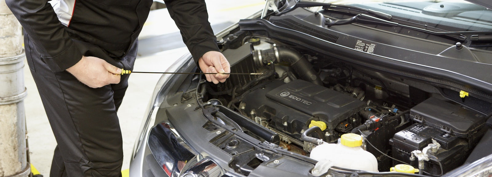 What are car servicing plans and are they worth it? | carwow