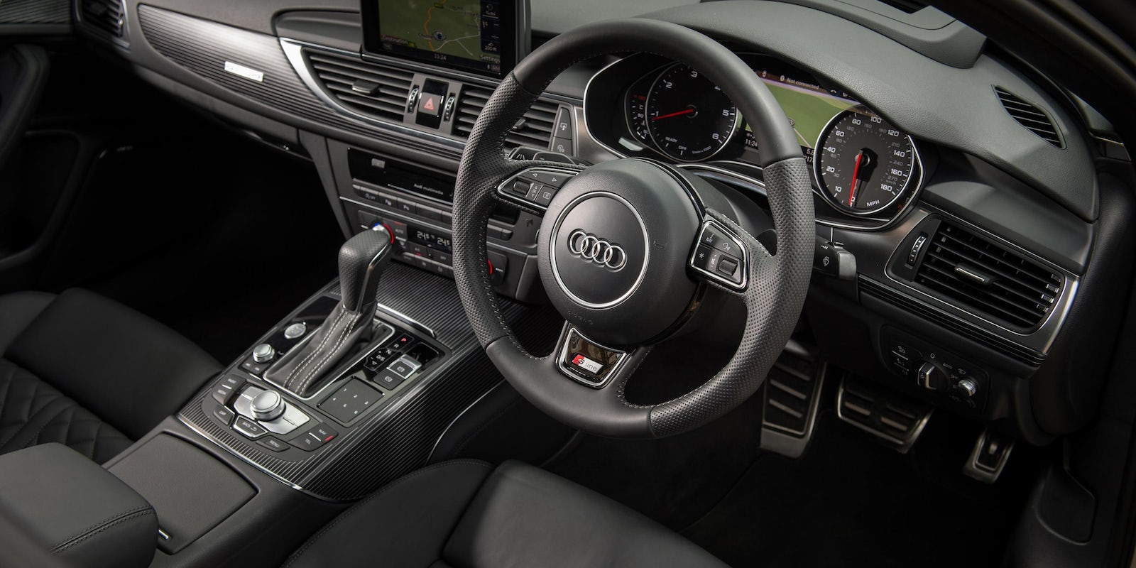 Audi A6 interior and infotainment | carwow