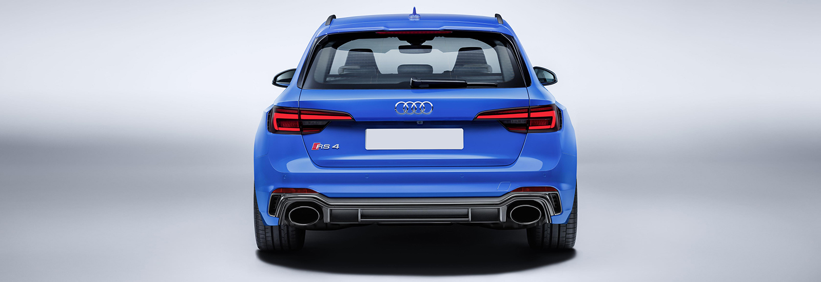 2018 audi rs4 avant. modren rs4 despite not being a major concern for many rs4 buyers the new model is far  more efficient u2013 achieving 321mpg compared to old modelu0027s 264mpg while  inside 2018 audi rs4 avant n