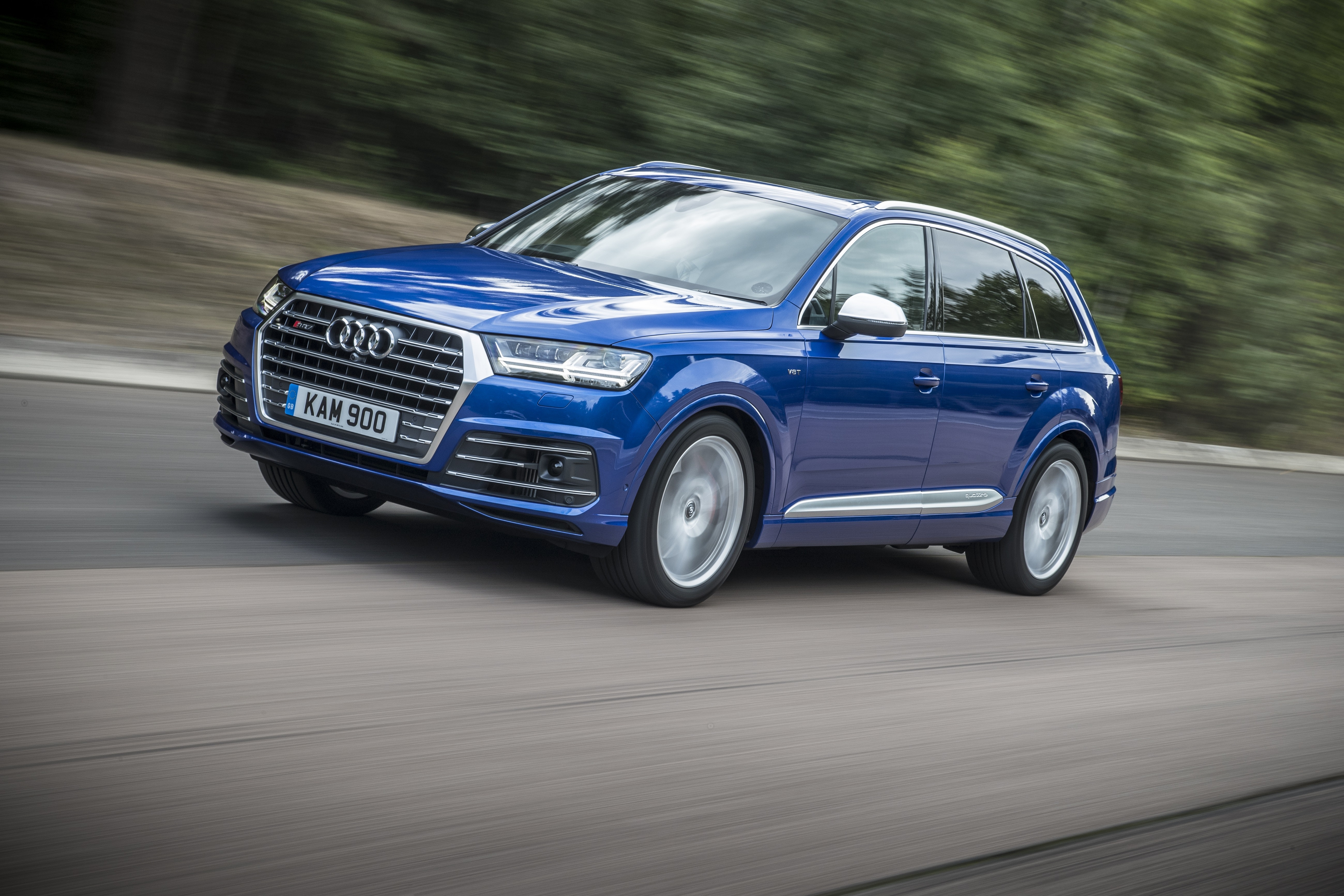 The SQ7 is amazingly fast, capable of sprinting from 0-62mph in less than five seconds