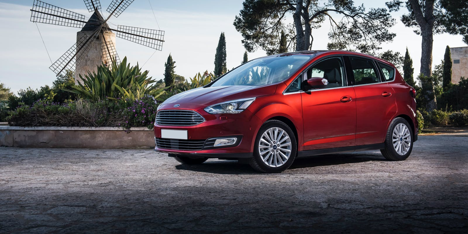 ford c max review carwow. Black Bedroom Furniture Sets. Home Design Ideas