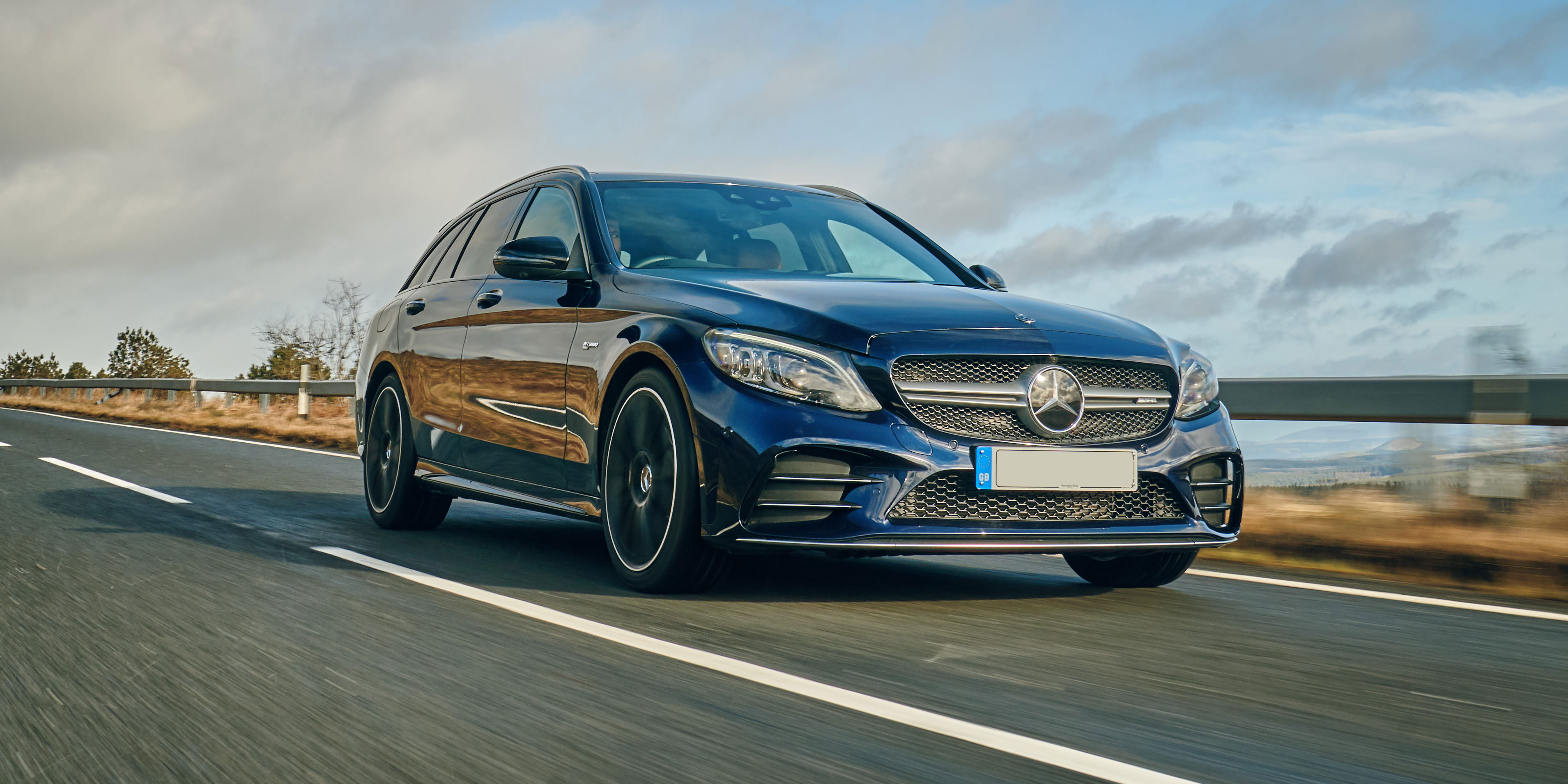 New Mercedes AMG C43 Estate Review | carwow