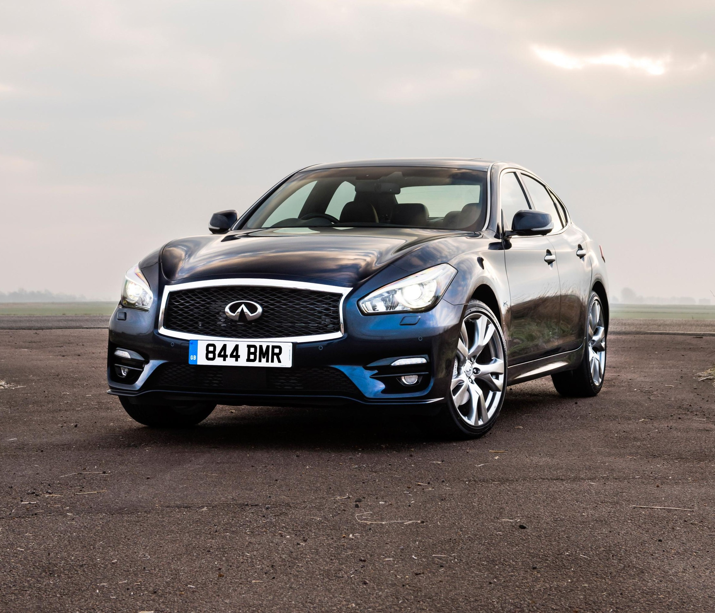 2015 Infiniti Q70 UK Prices And First Details