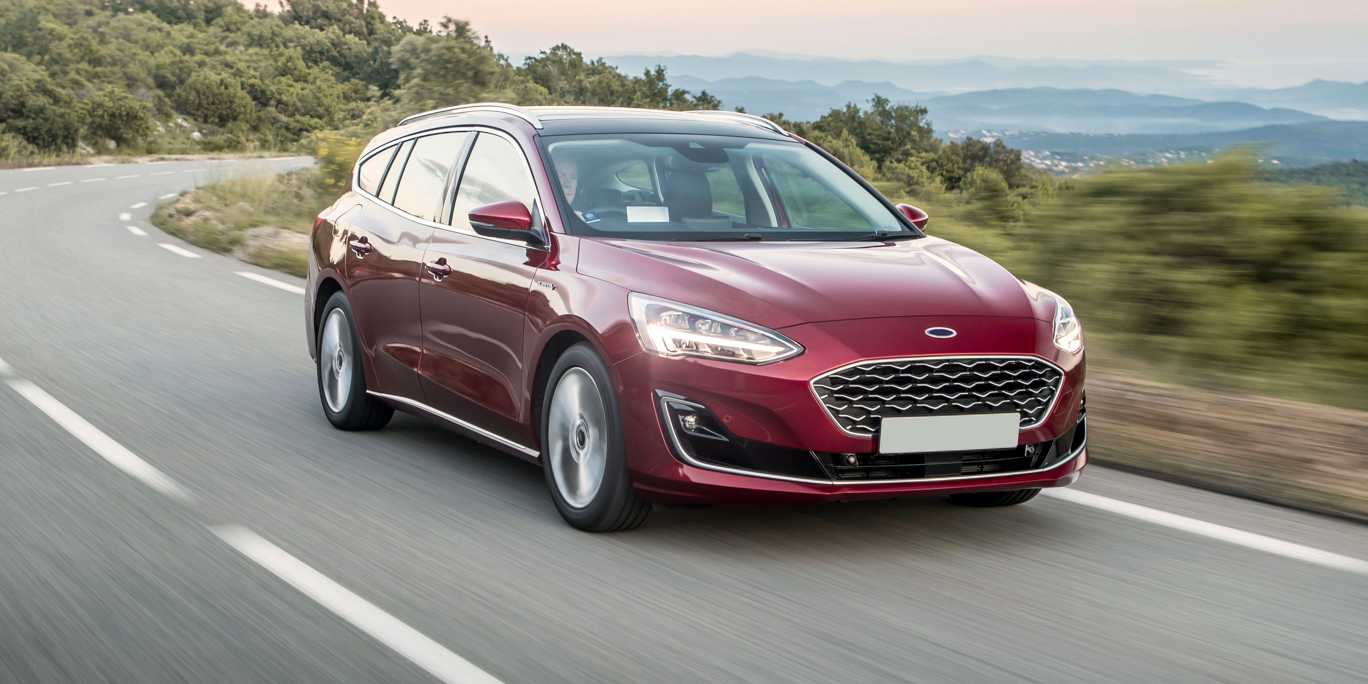 New Ford Focus Vignale Estate Review Carwow