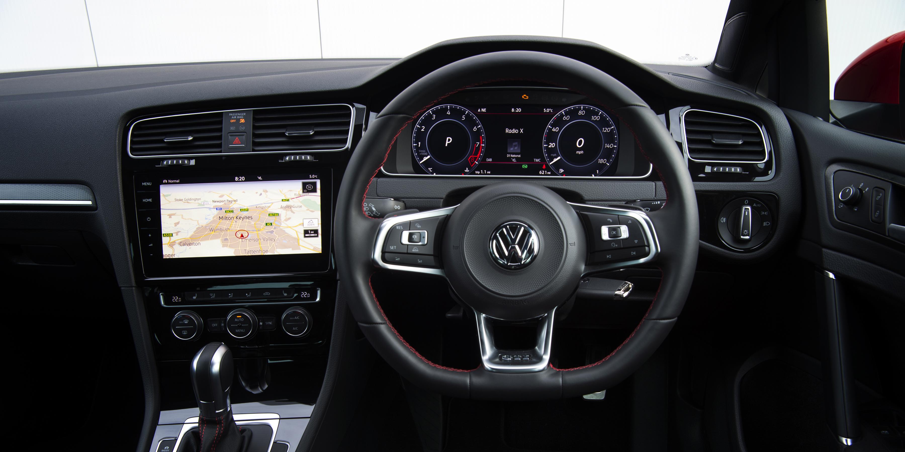 Volkswagen Golf Gti 2013 2020 Interior Infotainment Carwow