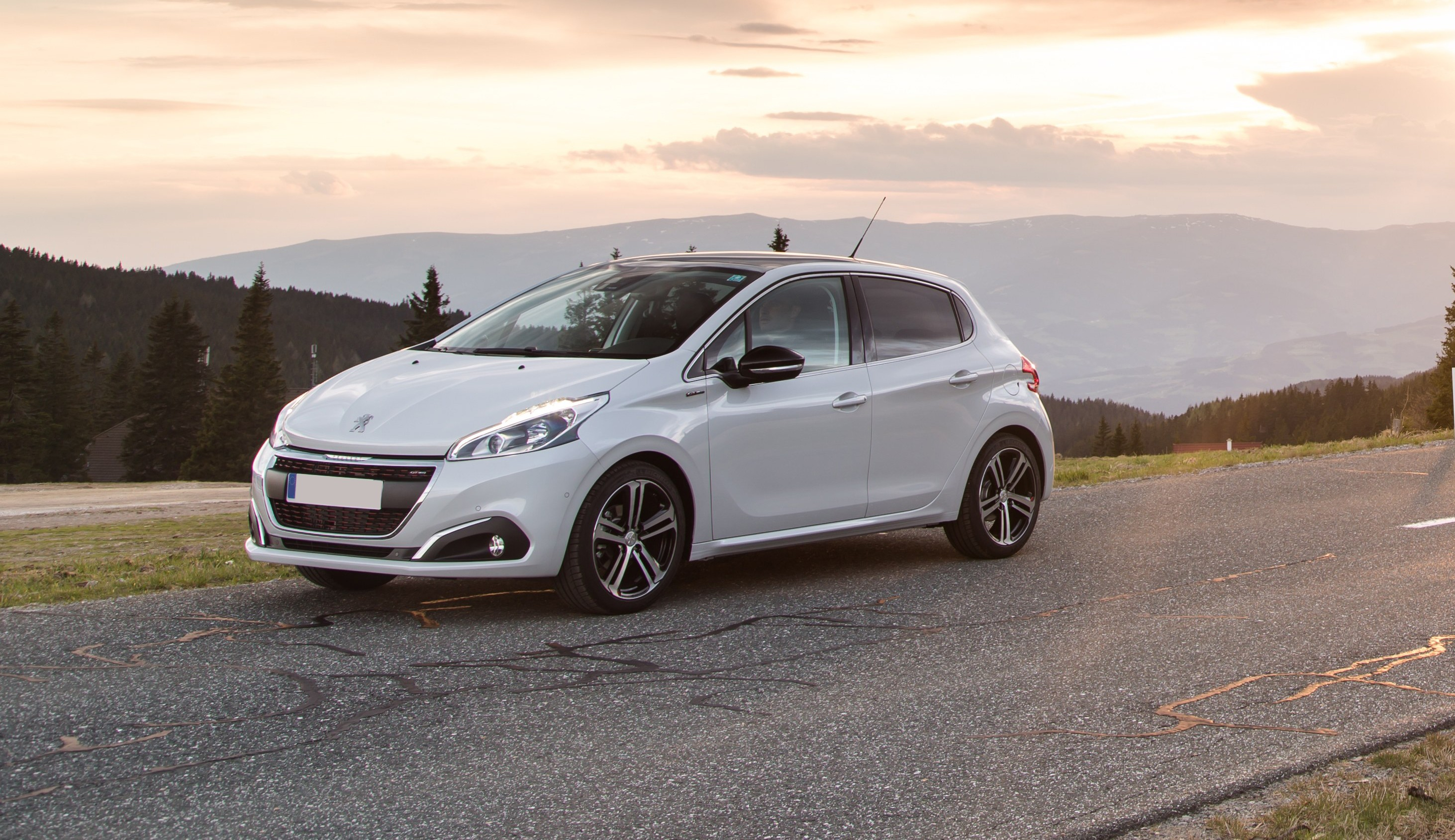 New Peugeot 208 Review Carwow