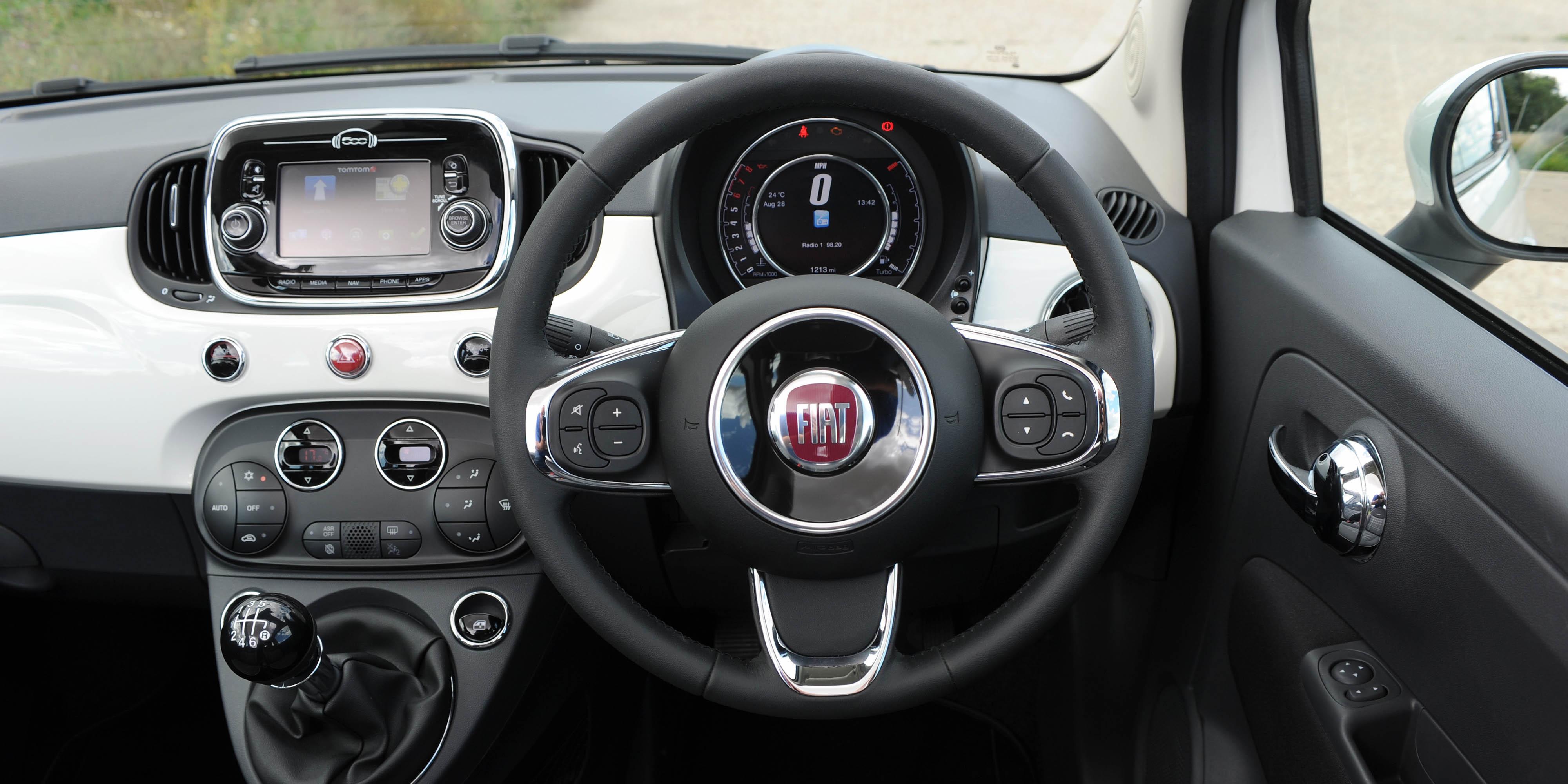 New Fiat 500 Interior & Infotainment | carwow #FR68