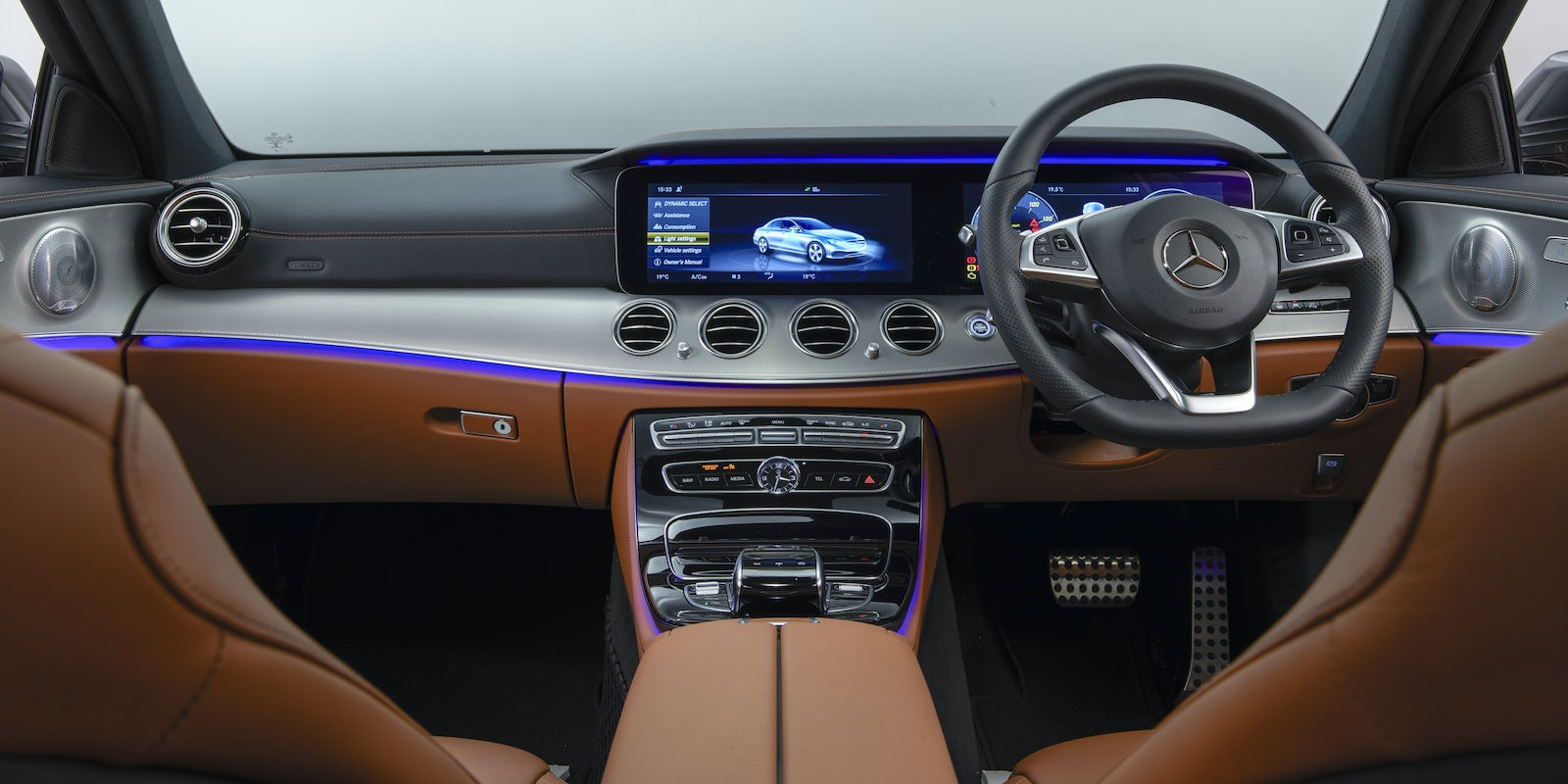 Mercedes E-Class Saloon Interior & Infotainment | carwow