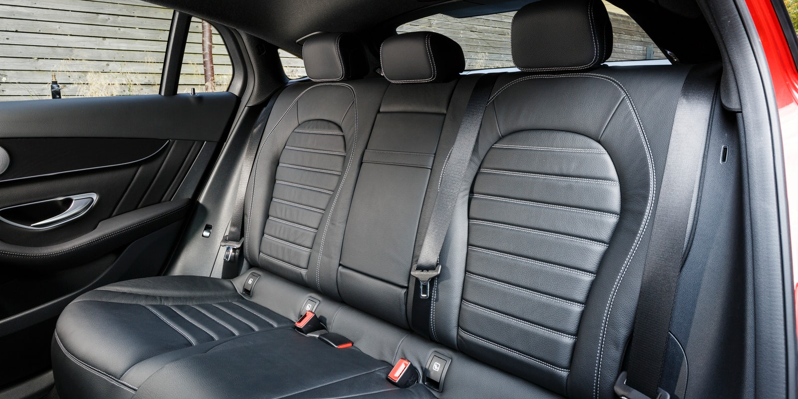 mercedes glc coupe boot space dimensions carwow. Black Bedroom Furniture Sets. Home Design Ideas