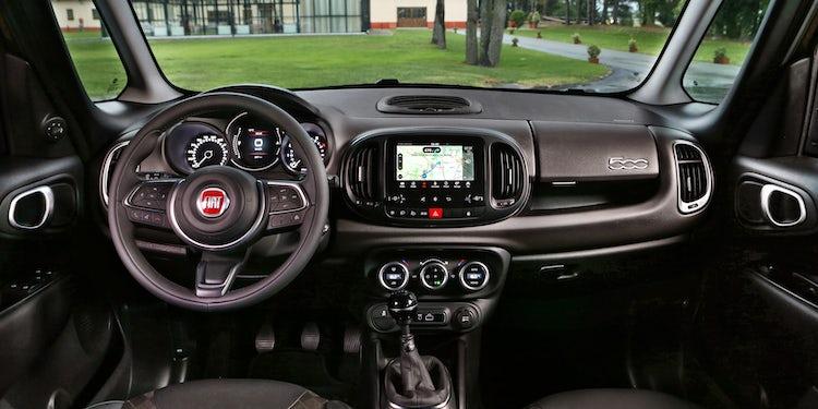 Genoeg Fiat 500L Interior & Infotainment | carwow &SU48