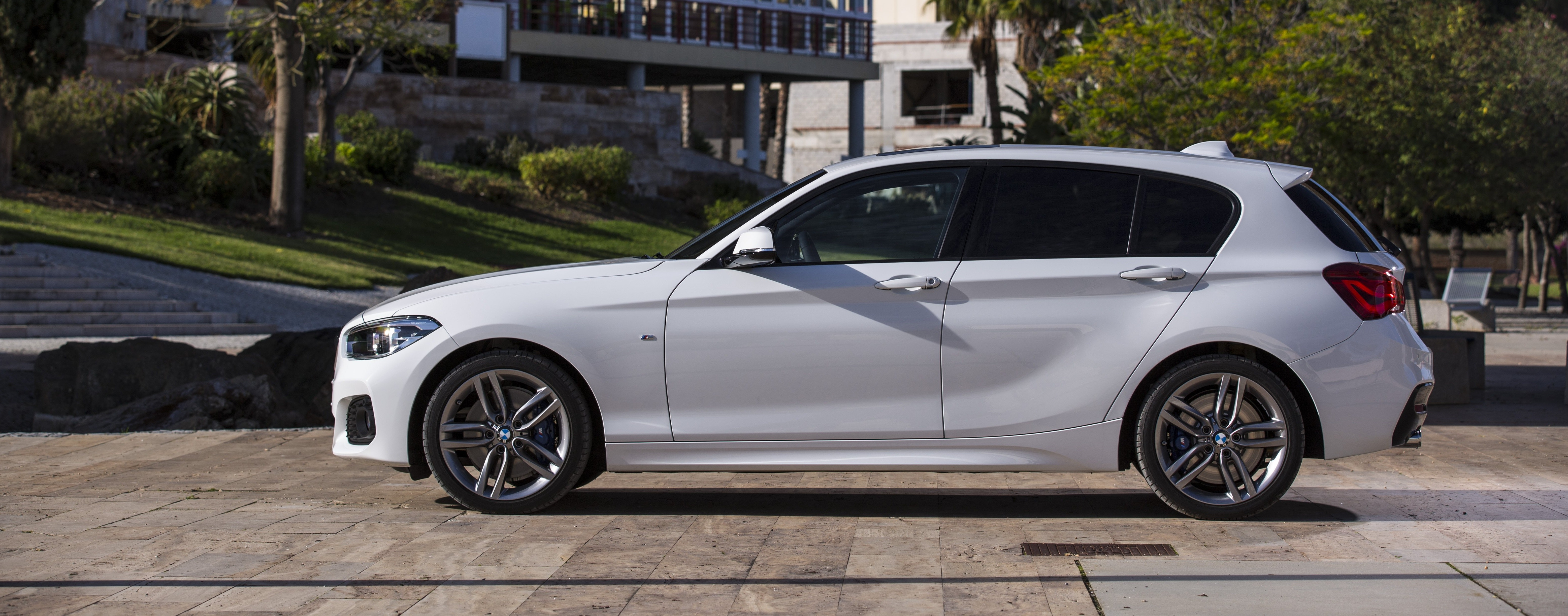 bmw 1 series sizes and dimensions guide | carwow