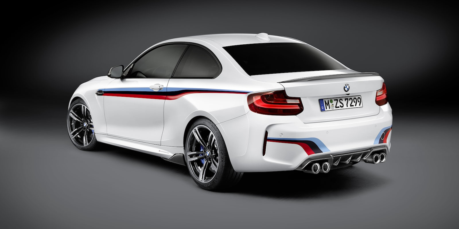 bmw m2 review carwow. Black Bedroom Furniture Sets. Home Design Ideas
