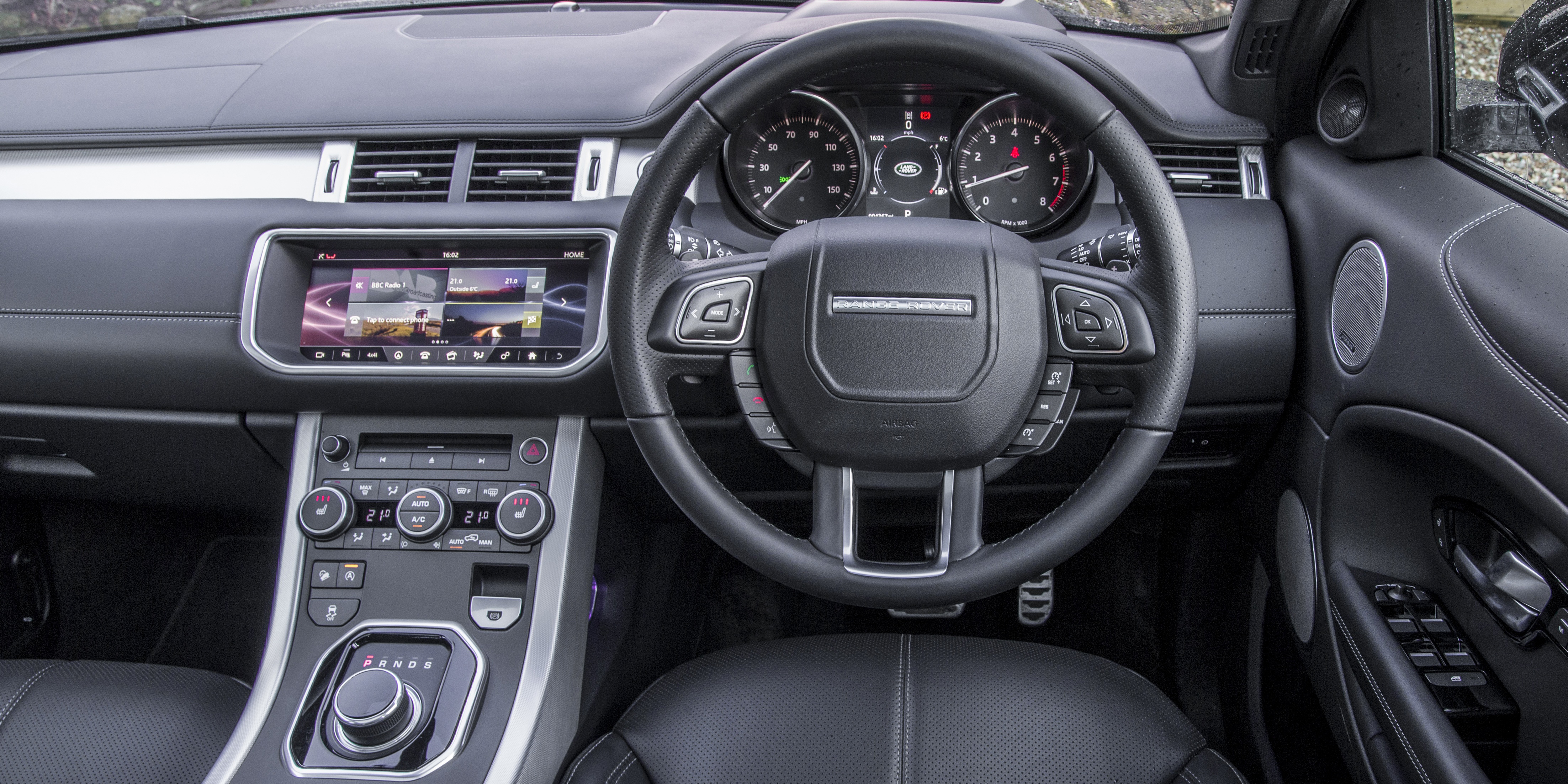 range rover evoque interior images galleries with a bite. Black Bedroom Furniture Sets. Home Design Ideas