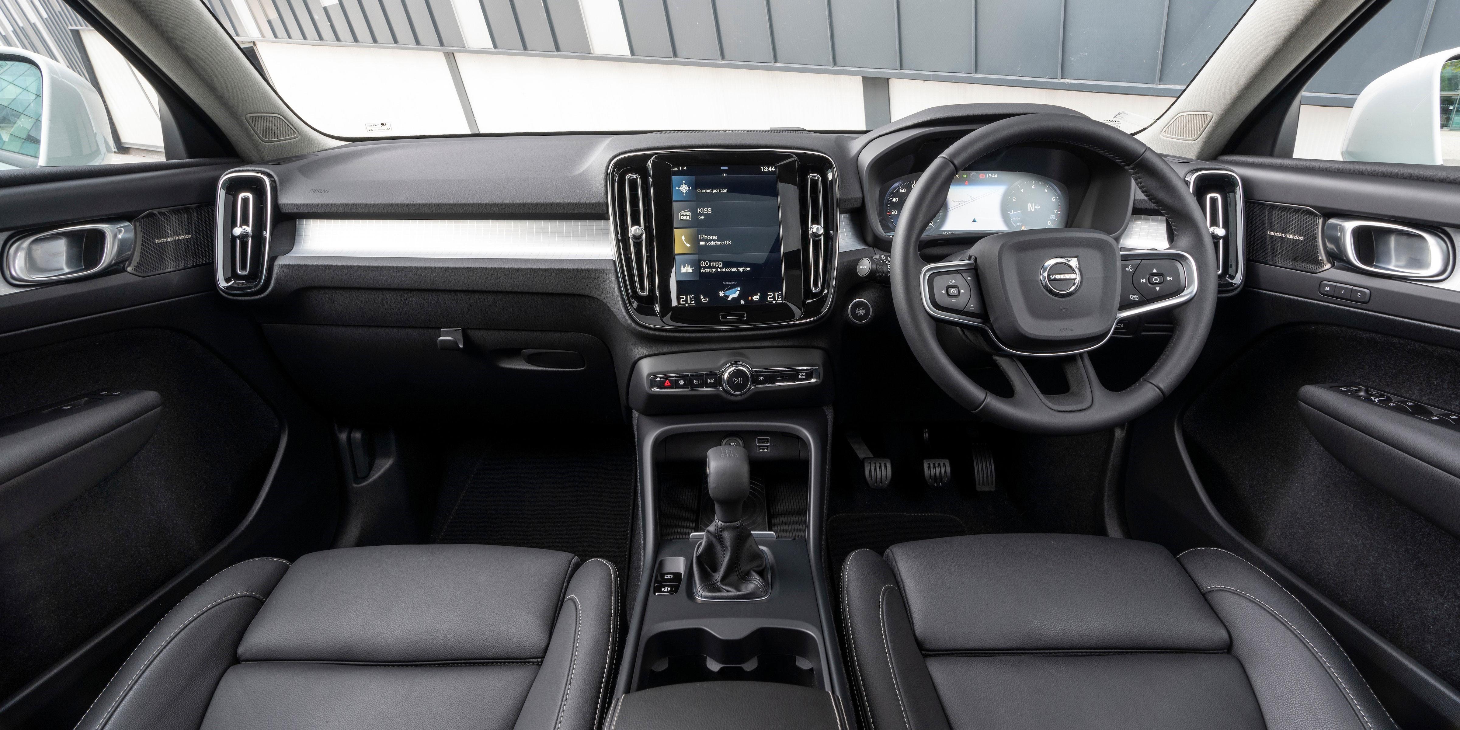 Volvo Xc40 Interior Infotainment Carwow