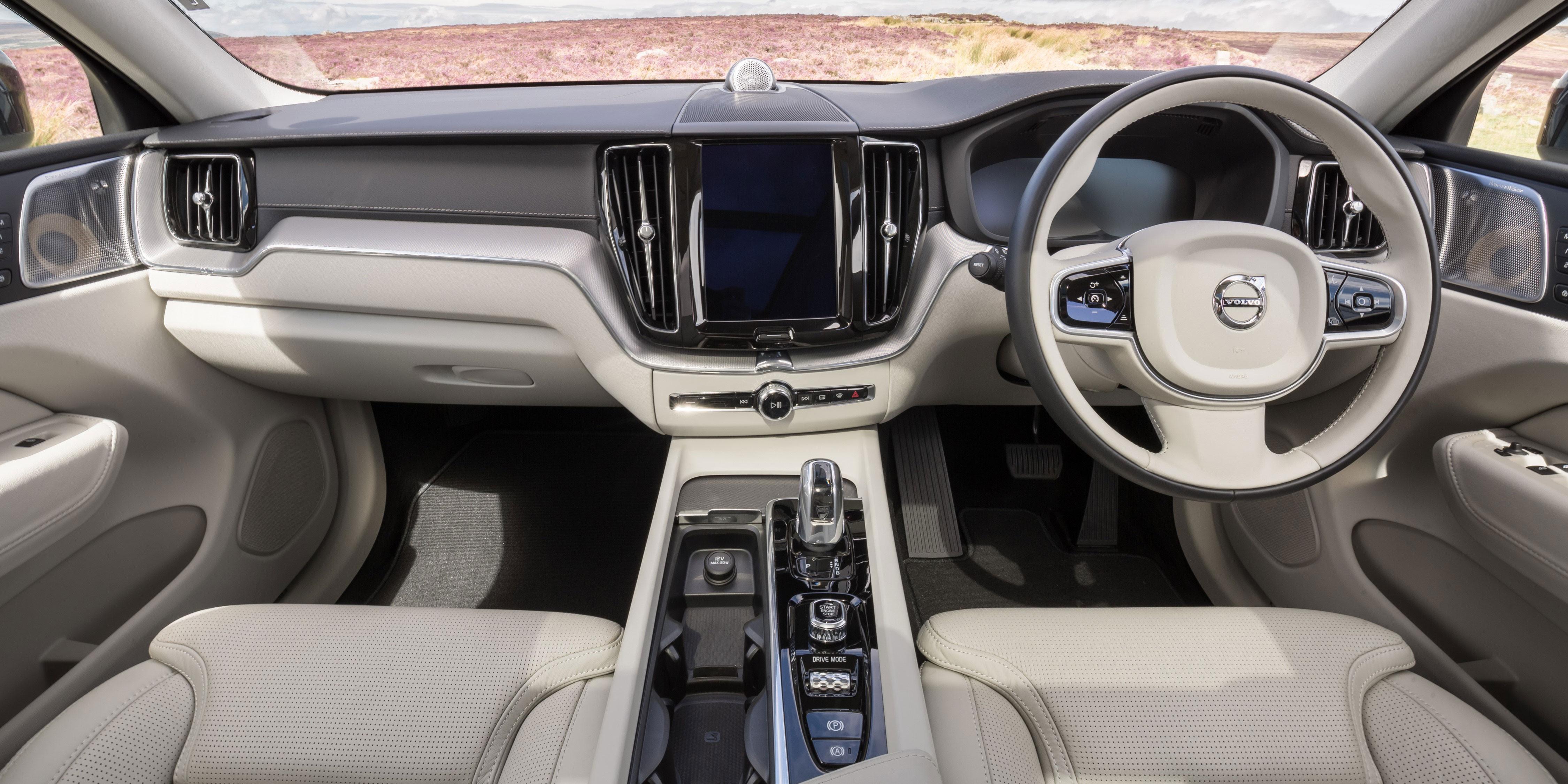 Volvo Xc60 Interior Infotainment Carwow