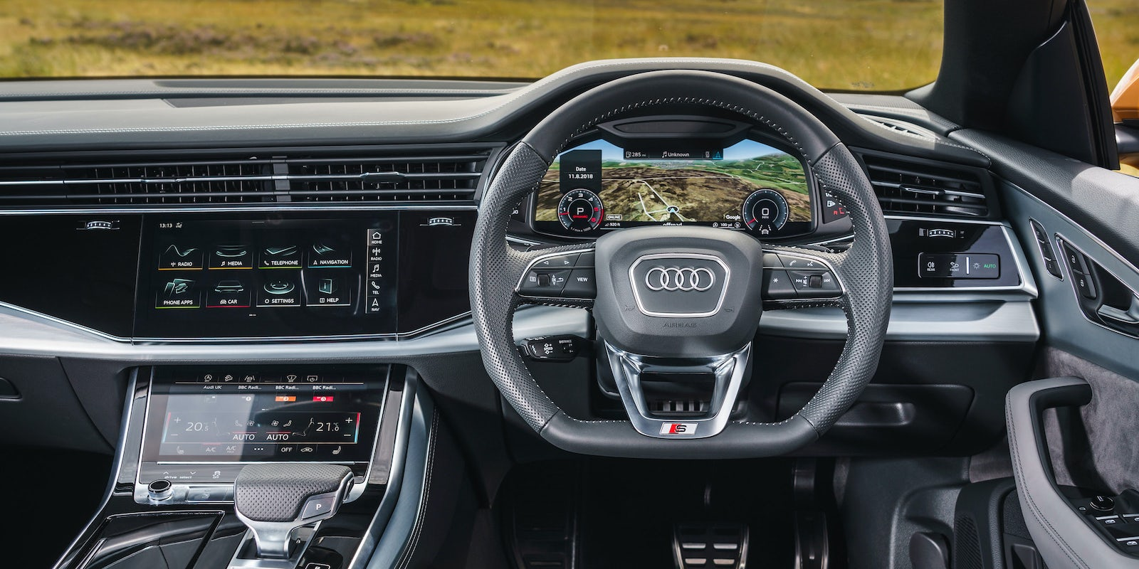 audi q8 interior infotainment carwow. Black Bedroom Furniture Sets. Home Design Ideas