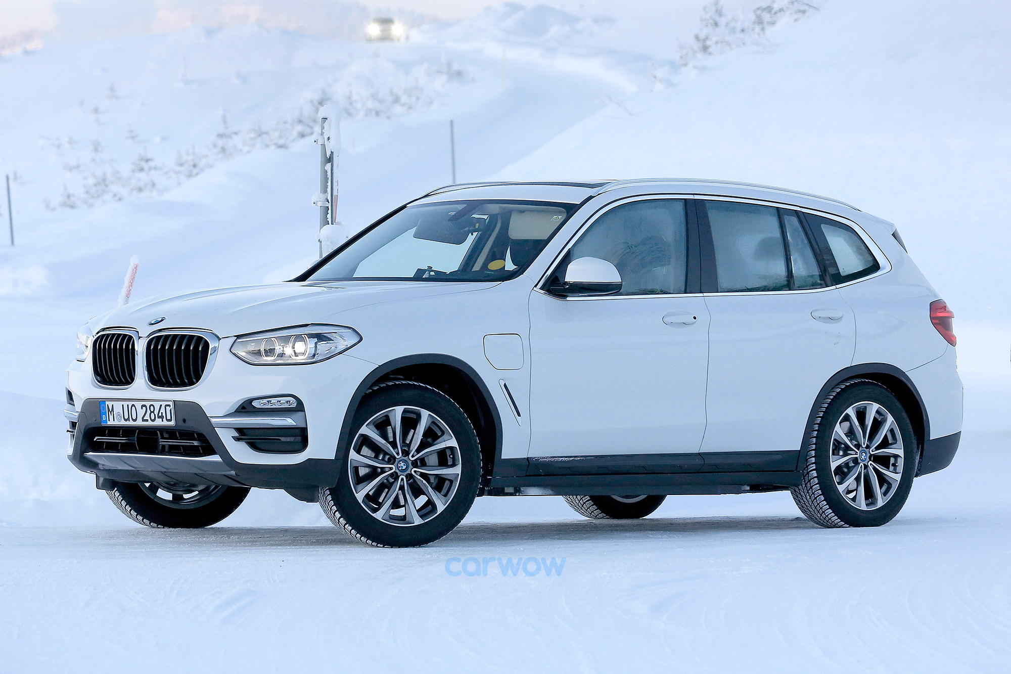 2018 bmw ix3 price specs and release date carwow. Black Bedroom Furniture Sets. Home Design Ideas