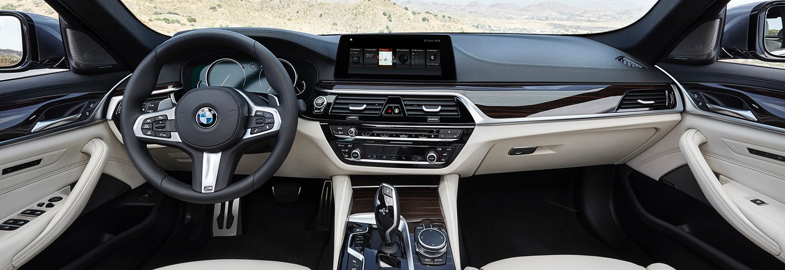 Bmw 5 series and touring size and dimensions guide carwow for Bmw serie 3 2018 interior