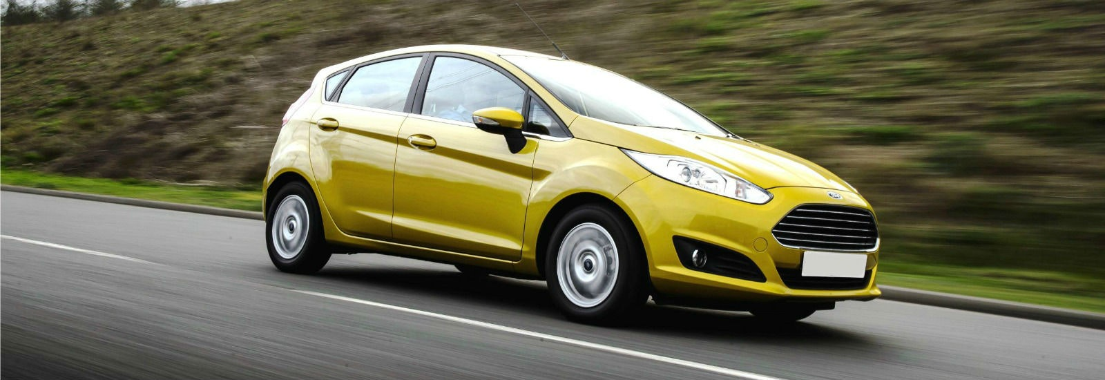 2017 ford fiesta green driving front