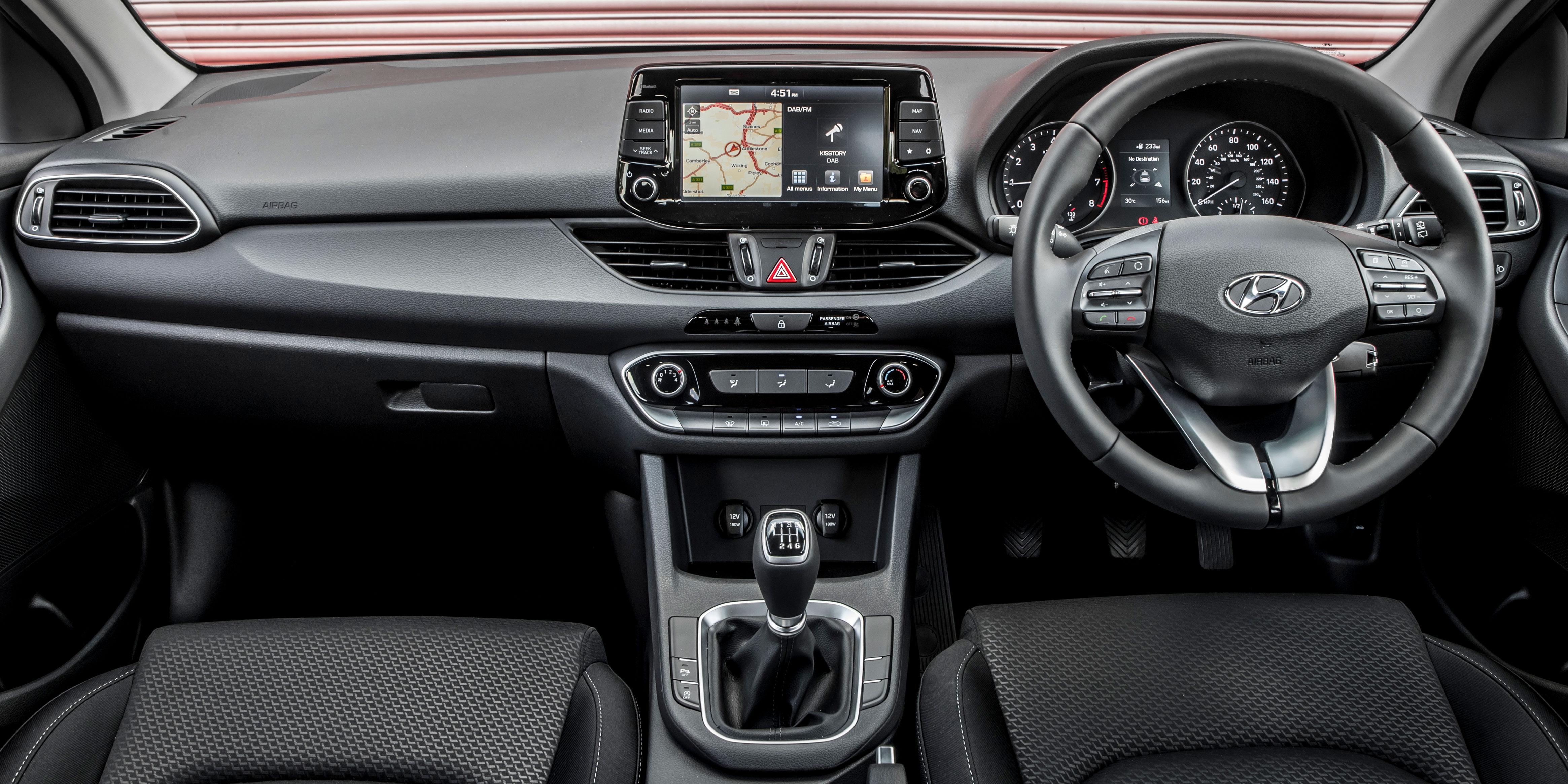 Hyundai i30 Interior & Infotainment | carwow