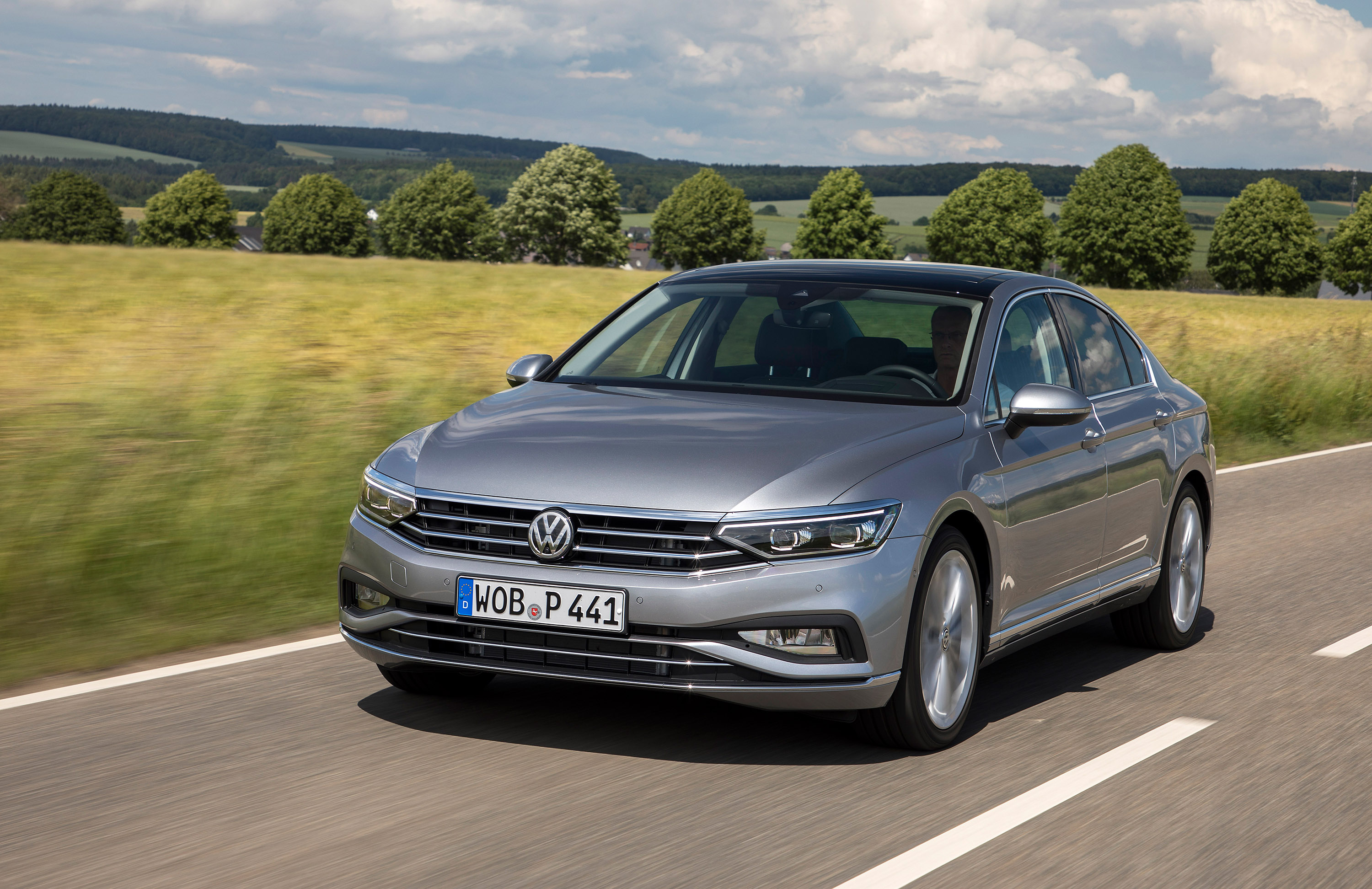 Volkswagen Passat Specifications & Prices | carwow