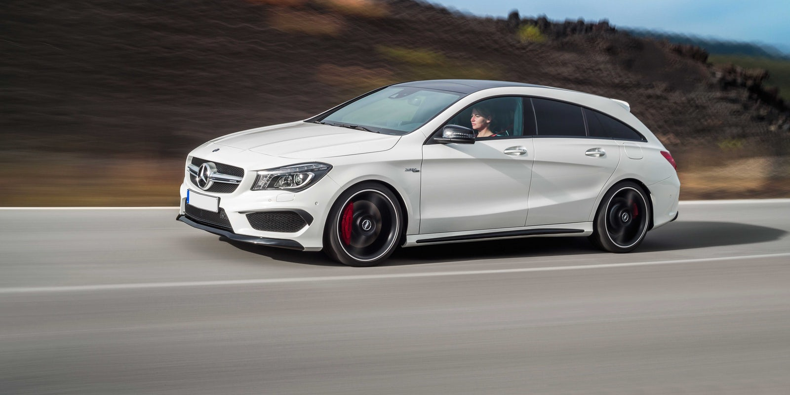 new mercedes amg cla 45 shooting brake review carwow. Black Bedroom Furniture Sets. Home Design Ideas