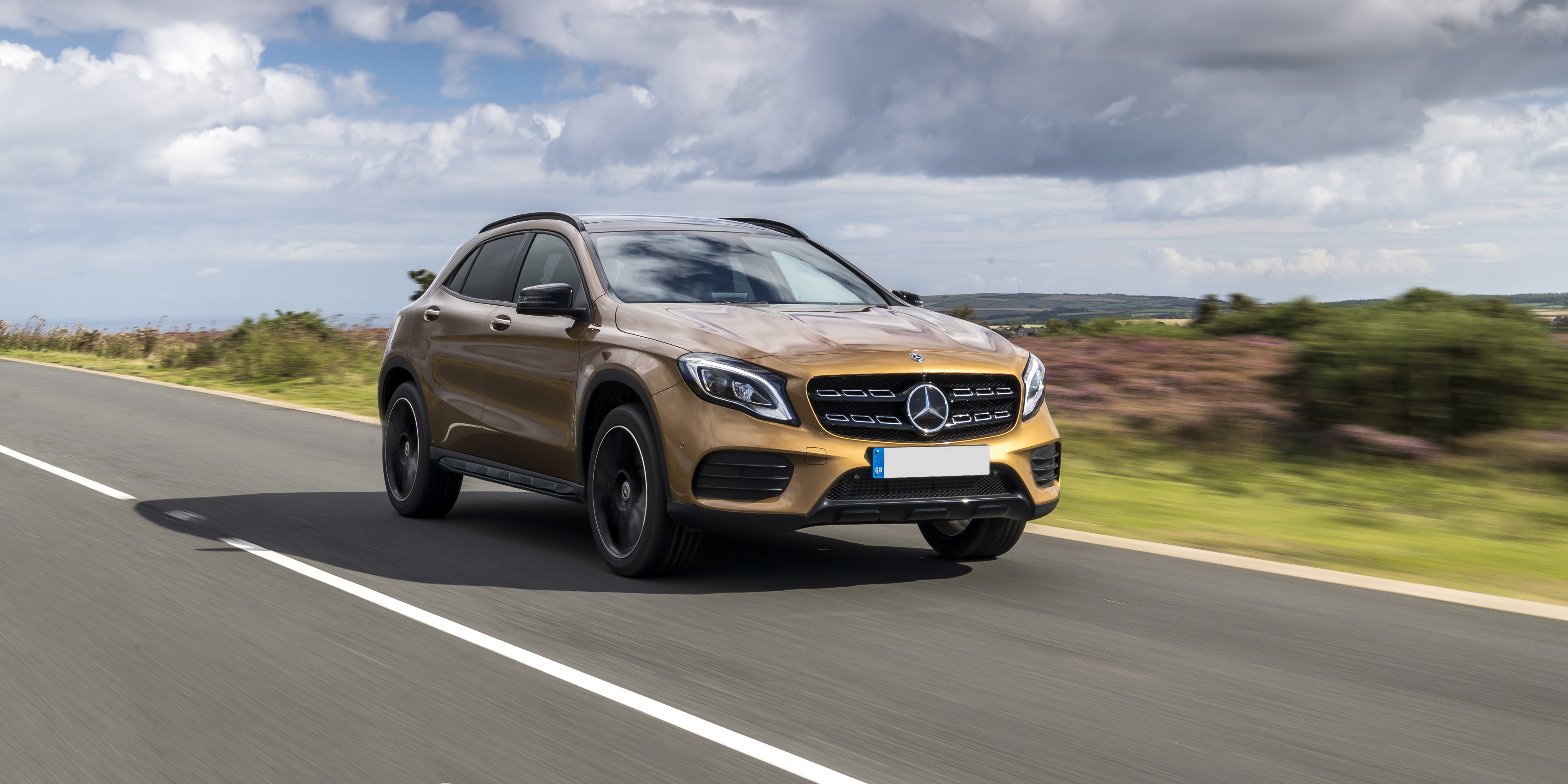 New Mercedes GLA Review | carwow
