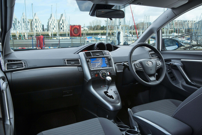 Toyota Verso Interior Amp Infotainment Carwow