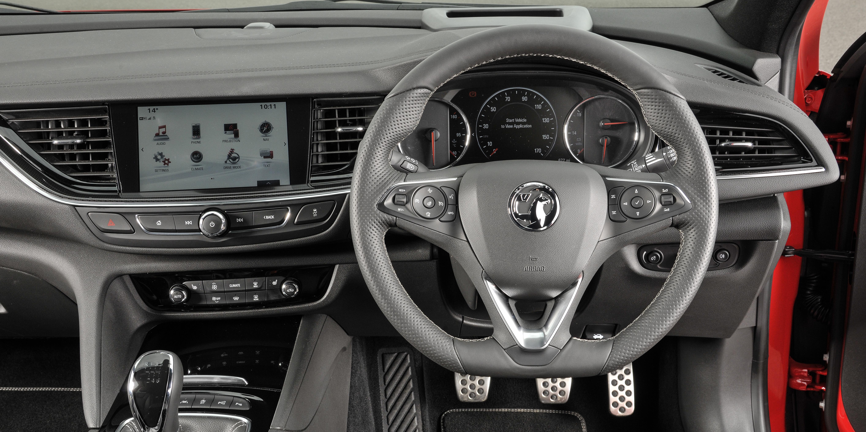 Vauxhall Insignia Sports Tourer Interior & Infotainment | carwow