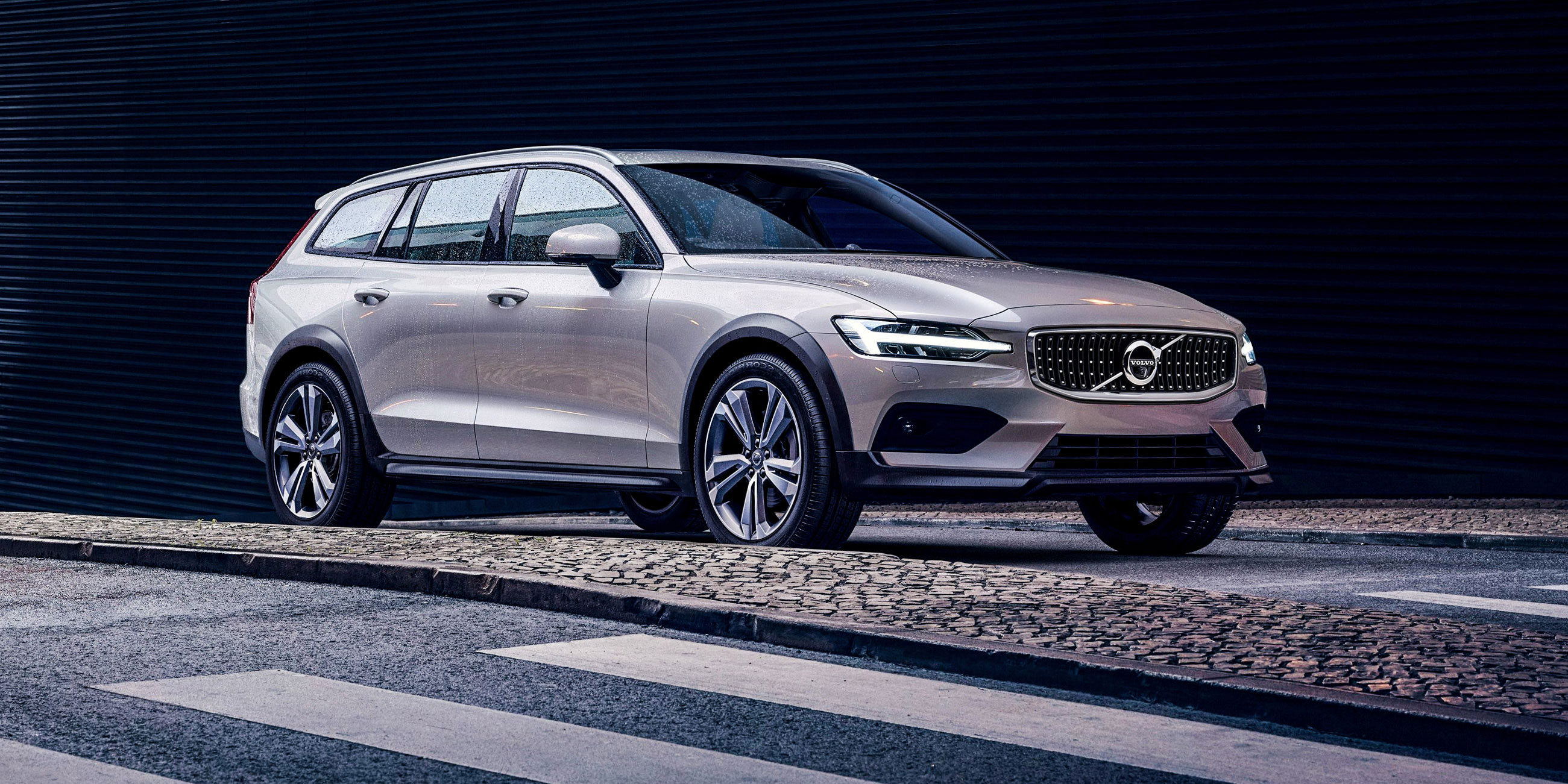 Volvo V60 Cross Country >> New Volvo V60 Cross Country Review Carwow